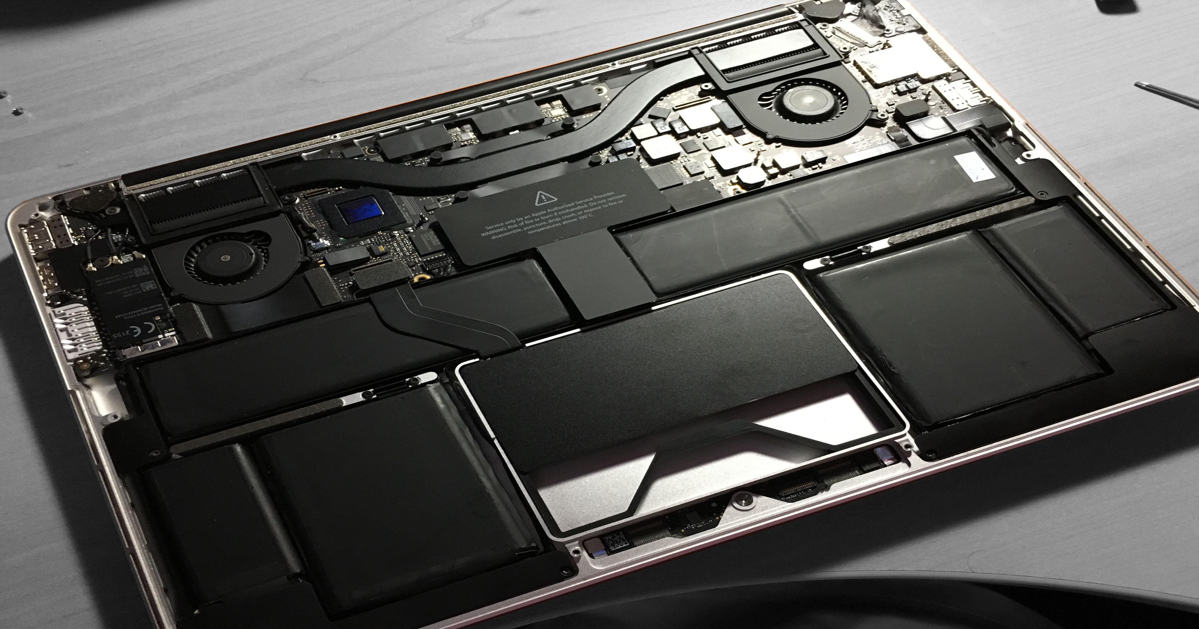 Remplacement de la batterie d'un MacBook Pro Rétina