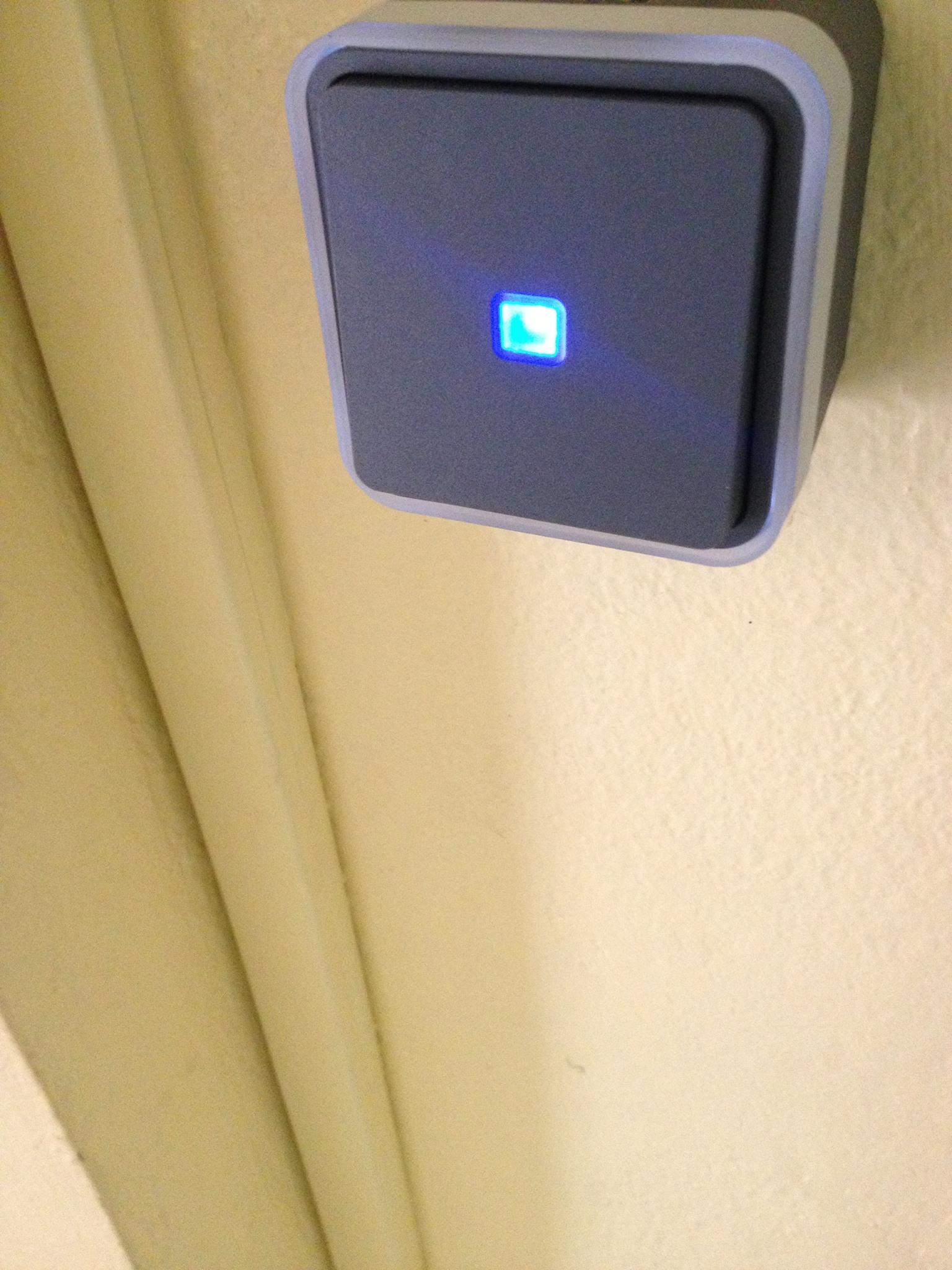 Installation bouton poussoir avec voyant lumineux